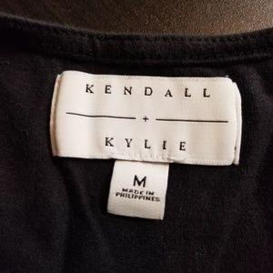Kendall & Kylie Tops - Kendal & Kylie Geometric Rose Crop Top